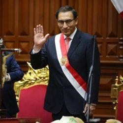 Vizcarra-banda-presidencial-TW